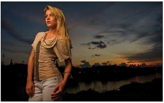 фотографируем девушку на фоне заката